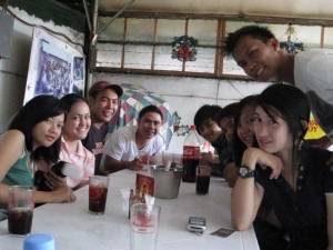 eating sisig