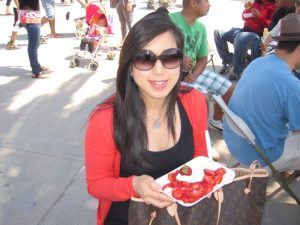 kelly with strawberry pizza