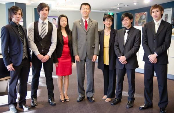 group of young aspiring entrepreneurs