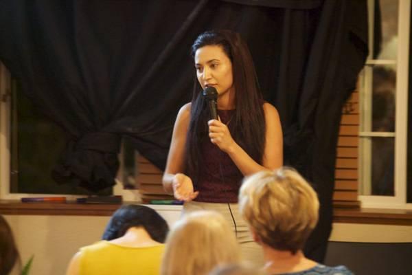 Aimee Buhagiar teaching
